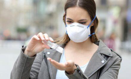 ¿Piel sensible a causa de la mascarilla? Así es como debes cuidarla