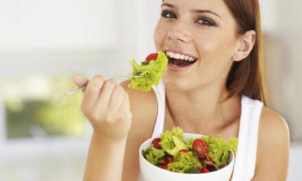 Qué vitaminas son esenciales para combatir el envejecimiento